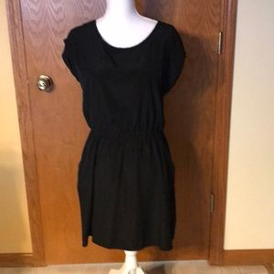 Black short sleeve casualdress